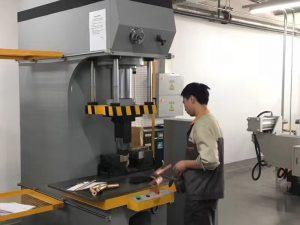 Манай үйлдвэрт Японы Гидравлик принтерийн тест хийх